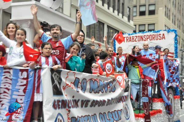Trabzonspor New York Yuruyus (4)