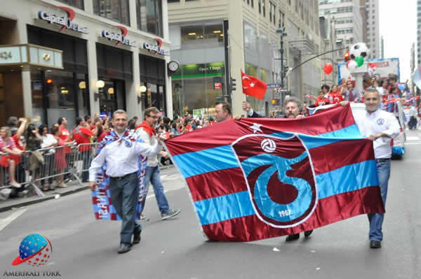 Trabzonspor New York Yuruyus (6)